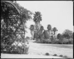 Los Angeles, Cal. Hollenbeck Home, the drive