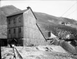 Smuggler mine shaft houses
