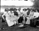 Recreation - picnic group of women