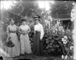 Three women in yard at Lillybridge studio
