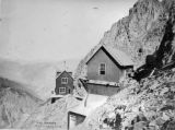 Cliff dwellers, Old Hundred mine