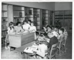 Valverde School students in library