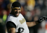 07926 Pre-game acticity.  Pittsburgh Steelers running back Jerome Bettis during pre-game warm-ups....