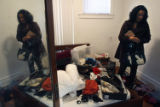 (NYT41) DETROIT, Mich. -- Jan. 26, 2007 -- FOSTER-CARE-3 -- Stacey Kline gathers up her belongings...