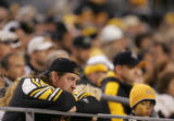 (JPM1086) In the fourth quarter, a Pittsburgh Steelers looks on in apparent dejection as Denver...