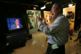 MJM068  Univision anchor Rodolfo Cardenas (cq), right, reacts to judge's criticism of the singing...