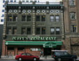 JPM045 Downtown Denver restaurant Duffy's during the lunch rush on Tuesday afternoon, Oct. 24,...
