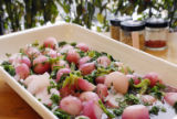 (NYT50) UNDATED -- Nov. 14, 2006 -- THANKSGIVING-GREENS-3 -- Radishes keep their color when...