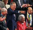 NYT101 - (NYT101) NEW YORK -- August 30, 2004 -- REPUBS-BUSH-10 -- Former President George H.W....