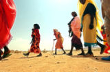 NYT77 - (NYT77) IN THE DESERT OF DARFUR, Sudan -- Sept. 1, 2004  SUDAN-DARFUR-5 -- A group of...