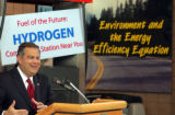 (GOLDEN, Colo., April 27, 2004) Spencer Abraham, Secretary of Energy, announces NREL, Los Alamos...