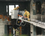 (NYT11) OCEAN ISLE BEACH, N.C. -- Oct. 29, 2007 -- NC-FATAL-FIRE-2  The body of a victim is...