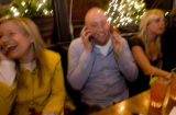 DM0386  57069 Top Chef competitor Hosea Rosenberg gets a call from his heated rival Stefan Richter...