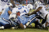 TNMH118 - Tennessee Titans running back LenDale White (25) scores a touchdown on a 1-yard run...