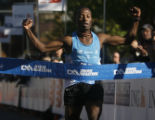 The 2008 Denver Marathon went underway on a chilly morning on October 19, 2008.  (JAVIER MANZANO /...
