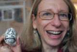 NYT45 - (NYT45) RIDGEFIELD, Conn. -- Nov. 25, 2004 -- CHAST-EGGS -- Cartoonist Roz Chast with an...