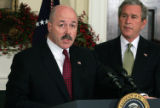 NYT41 - (NYT41) WASHINGTON -- Dec. 9, 2004 -- KERIK-STUN-GUNS -- Bernard B. Kerik speaks to...