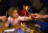 (Denver, Colo.,12/7/2004) (L-R) Estee Dechtman 4, , Ryan Beckett,8 (red) Sydney Beckett,4 (blue) ...