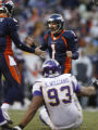 [ JPM612 ]Denver Broncos Jason Elam (1) reacts after his 43 yard field goal attempt is good in the...
