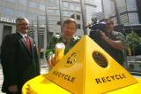 DM0226  Donning his green leaf jacket Denver Mayor John Hickenlooper bobbles a can he was...