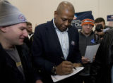 DM0564   Acclaimed actor Forest Whitaker signs autographs for students after attending a caucus...