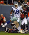 DM0477  Dallas Cowboys wide receiver Miles Austin celebrates after scoring a touchdown in the...