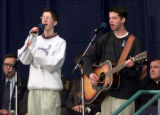 RMN130-DENVER,CO.- 4-25-99- Jonathan Cohen, left, and his  brother Stephen, both Columbine...