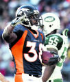 "LH3D8702 -- Denver Broncos runningback Mike Anderson, #38, delivers a ""Mile High Salute""..."