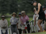 On the 18th hole Paula Creamer finished with a 1 under.  But came from dropping 8 strokes to do...