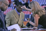 Super Bowl champion turned TV analyst, Michael Irvin, gets powdered down before NFL Monday Night...