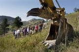 (BOULDER, Colo., August 17, 2004) HGTV DREAM HOUSE PROJECT.  Friends and family gather at the...