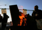 (NYT15) NEW YORK, Dec. 20, 2005 -- NY-TRANSIT-8 -- Striking transit workers protest near Shea...