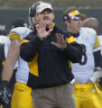 10/23/2005  CINCINNATI :  Pittsburgh Steelers head coach Bill Cowher shouts instructions during...