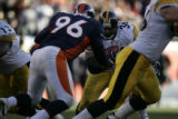 947 Steelers #36 Jerome Bettis squares off against Broncos #96 Michael Myers during the third...