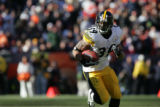 1103 Steelers #39 Willie Parker runs for a gain in the second quarter at Invesco Field at Mile...